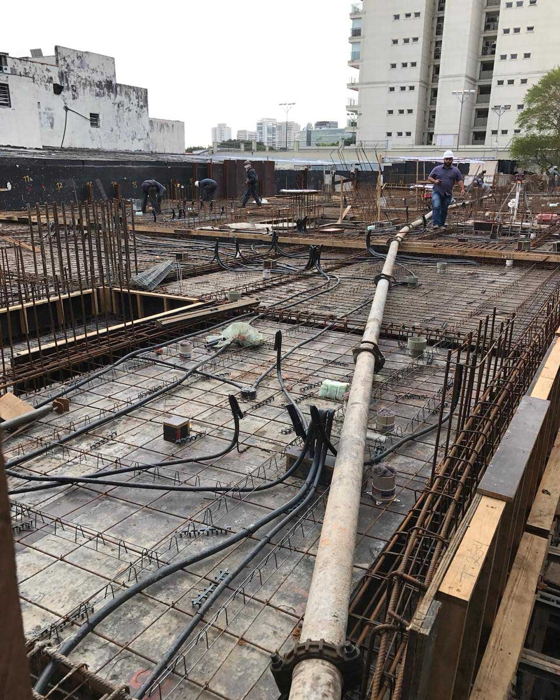 Locação de máquina de bombear concreto